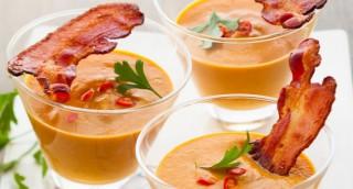 Verrines de velouté de potiron au bacon