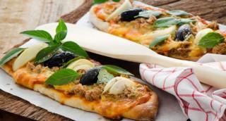 Pizza thon, oignon et olives
