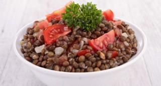 Salade de lentilles vertes aux tomates