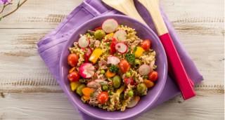 Salade de pâtes au thon et légumes de saison