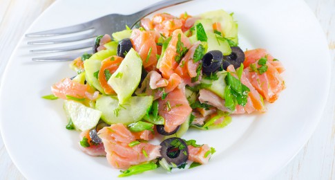 salade_concombre_saumon_124569112
