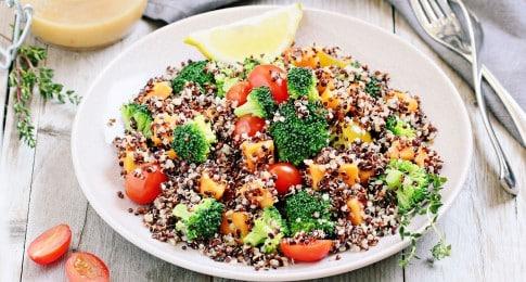 salade_quinoa_carottes_brocolis_380364823